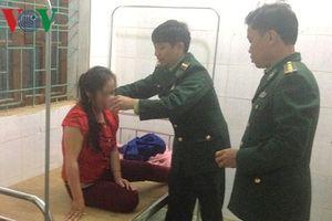 Mâu thuẫn với chồng, vợ ăn lá ngón tự tử