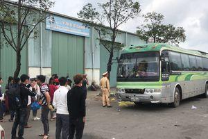 Xe biển số Lào hết hạn kiểm định nhồi nhét khách trên đường vào Nam