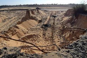 Khai thác cát trái phép dọc tuyến đường 129
