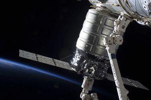 Lầu Năm Góc: Vũ khí laser Nga, TQ đe dọa vệ tinh Mỹ