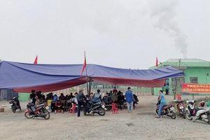 Vì đâu người dân dựng lều bạt chặn xe chở rác của Công ty Phú Hà?