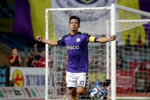 Quang Hải đối đầu Graziano Pelle ở play-off AFC Champions League