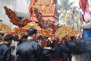 Náo nức trống hội xuân trong ngôi làng giữa nội thành Hà Nội