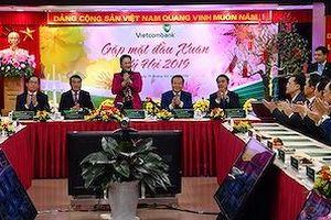 Chủ tịch Quốc hội chúc Tết tại Vietcombank