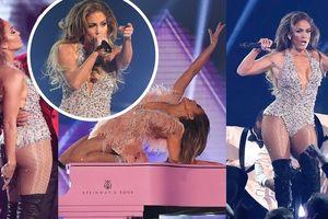 Jennifer Lopez diện bodysuit bốc lửa, 'cháy' hết mình tại Grammy 2019