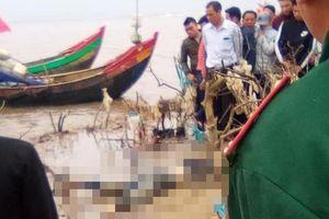 Thanh Hóa: Phát hiện thi thể nữ giới đang phân hủy bên bờ biển