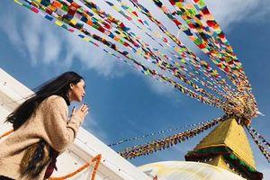 Thời trang đi 'du lịch khắp thế gian' của Hoa hậu Tường Linh