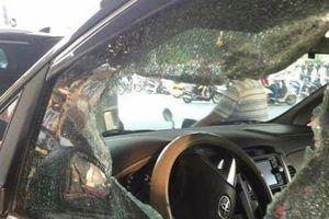 Điều tra vụ đập vỡ kính ô tô lấy trộm 50 triệu đồng