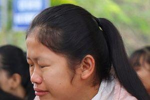 Nữ sinh được cứu trong vụ 8 em đuối nước: Nước biển vẫn còn trong phổi