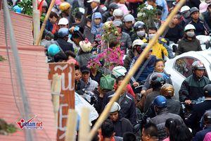 Trước giờ khai hội chợ Viềng kẹt cứng, ùn tắc giao thông