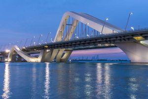 Ngắm 10 cây cầu độc lạ đẹp nhất thế giới