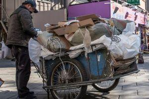 Hàn Quốc: Số phận những người già chật vật mưu sinh