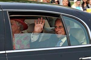 Phu quân Nữ hoàng Anh tự nguyện từ bỏ giấy phép lái xe