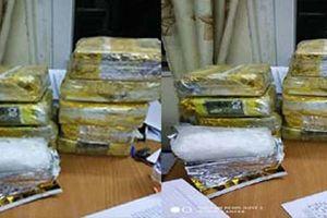 Bắt gọn shipper ma túy lấy 200 triệu đồng tiền công
