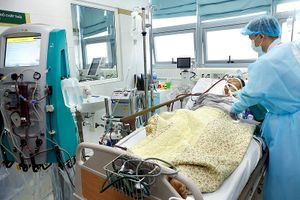 Tưởng cúm thường, 2 người nguy kịch vì cúm A/H1N1