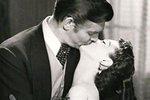 'Cuốn theo chiều gió' và sự thật bẽ bàng sau nụ hôn kinh điển