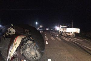 3 nam thanh niên trên xe SH tử vong sau cú va chạm với ô tô tải
