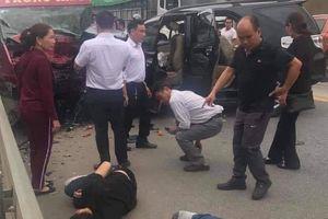 Ô tô đâm nhau trên cao tốc Nội Bài - Lào Cai, 9 người bị thương