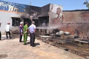 Long An: Cháy lớn tại cây xăng, 2 người bị thương nặng