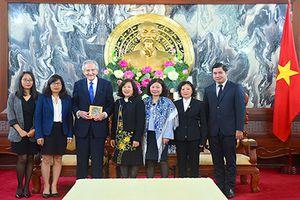 Phó Chánh án TANDTC Nguyễn Thúy Hiền tiếp cựu Thẩm phán LB Hoa Kỳ