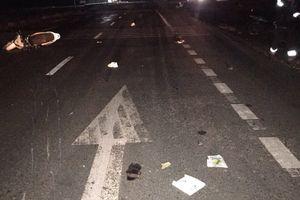 Đụng xe tải, 3 thanh niên trên xe máy tử vong