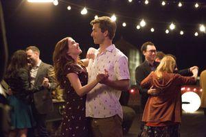 Ngại ra rạp mùa Valentine? Đừng lo, hãy tận hưởng 18 phim tình cảm-hài lãng mạn này tại nhà!