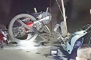 Phú Thọ: Hai xe máy đấu đầu kinh hoàng, 3 người thương vong
