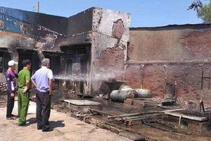 Long An: 2 người bị thương trong vụ hỏa hoạn tại cây xăng