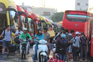 Giá vé xe khách từ các tỉnh miền Trung vào miền Nam tăng gấp 3 lần