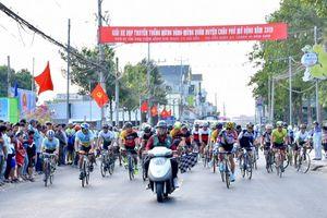 Hấp dẫn Giải đua xe đạp mừng Đảng - mừng Xuân