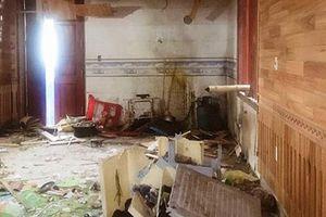 Bị nổ mìn trong đêm, gia đình 9 người thoát chết