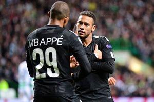 Bất chấp chấn thương, Neymar nhảy ăn mừng bàn thắng của Mbappe
