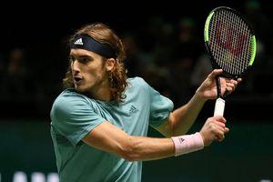 Tiếp tục 'trả giá' vì thắng Federer, Tsitsipas 'thua chính mình' ở Rotterdam