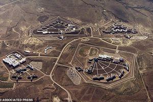 Đột nhập nhà tù khét tiếng giam trùm ma túy El Chapo