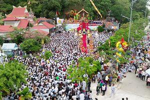 Đà Nẵng cấm tuyệt đối cán bộ, công chức... đi dự lễ hội trong giờ hành chính