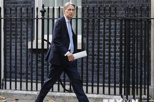Trung Quốc hủy bỏ các cuộc hội đàm thương mại với Anh