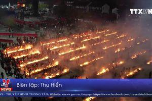 Hàng nghìn người Trung Quốc đổ tới đền cầu Thần Tài