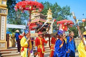 Khai hội đình làng cổ Túy Loan trên 500 năm tuổi