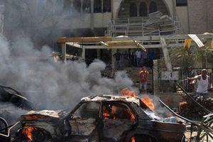 Đoàn xe chở quân dự bị Ấn Độ bị đánh bom ở Kashmir làm 18 người chết