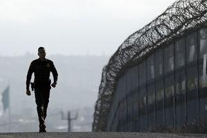 Trump cân nhắc mọi giải pháp để tìm kiếm ngân sách cho tường biên giới