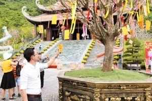 Tham quan lễ vía Thần Tài đầu năm tại Khu du lịch núi Thần Tài - Đà Nẵng