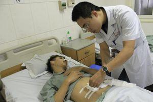 Nam thanh niên bị xương cá đâm thủng ruột non sau khi ăn cơm bình dân