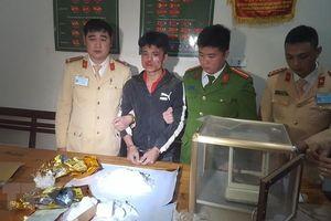Nghệ An: Bắt giữ đối tượng vận chuyển 2kg ma túy đá vào Nam tiêu thụ