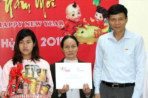 Báo Lao Động thăm hỏi vợ liệt sĩ hi sinh trong chiến tranh biên giới