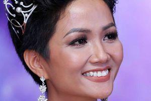 Showbiz Việt trở lại phát ngôn gây sốc?