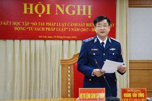 Sơ kết học tập 'Sổ tay pháp luật Cảnh sát biển' và hoạt động 'Tủ sách pháp luật'