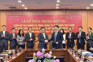 Bộ Tài chính và Bưu điện Việt Nam phối hợp nhận, trả thủ tục hành chính qua dịch vụ bưu chính