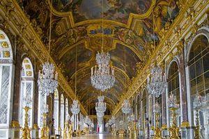 Sau 4 thế kỷ, cung điện Versailles mới nhận khối cẩm thạch đã đặt hàng