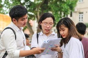 Tự chủ đại học và những quy định tuyển sinh đại học lạ lùng