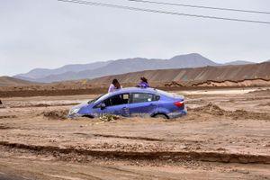 Thời tiết cực đoan, ngập lụt tại sa mạc khô hạn nhất thế giới